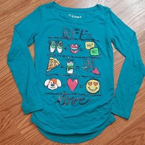 Other - 3/$15 girls long sleeve graphic tee.  Q5